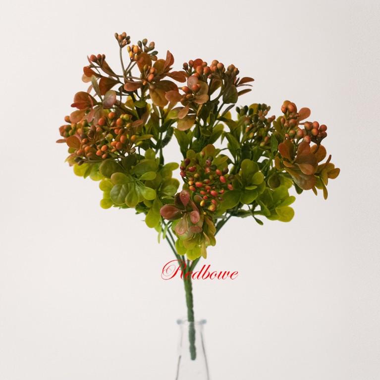 Ветка с оранжево-красными мелкими ягодками П148
