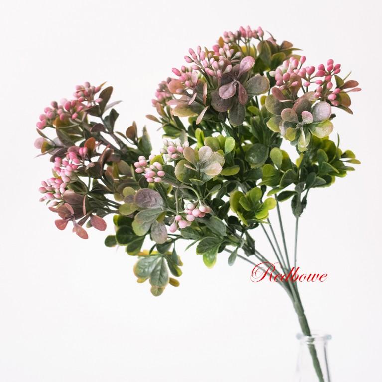 Ветка с розовыми мелкими ягодками П148